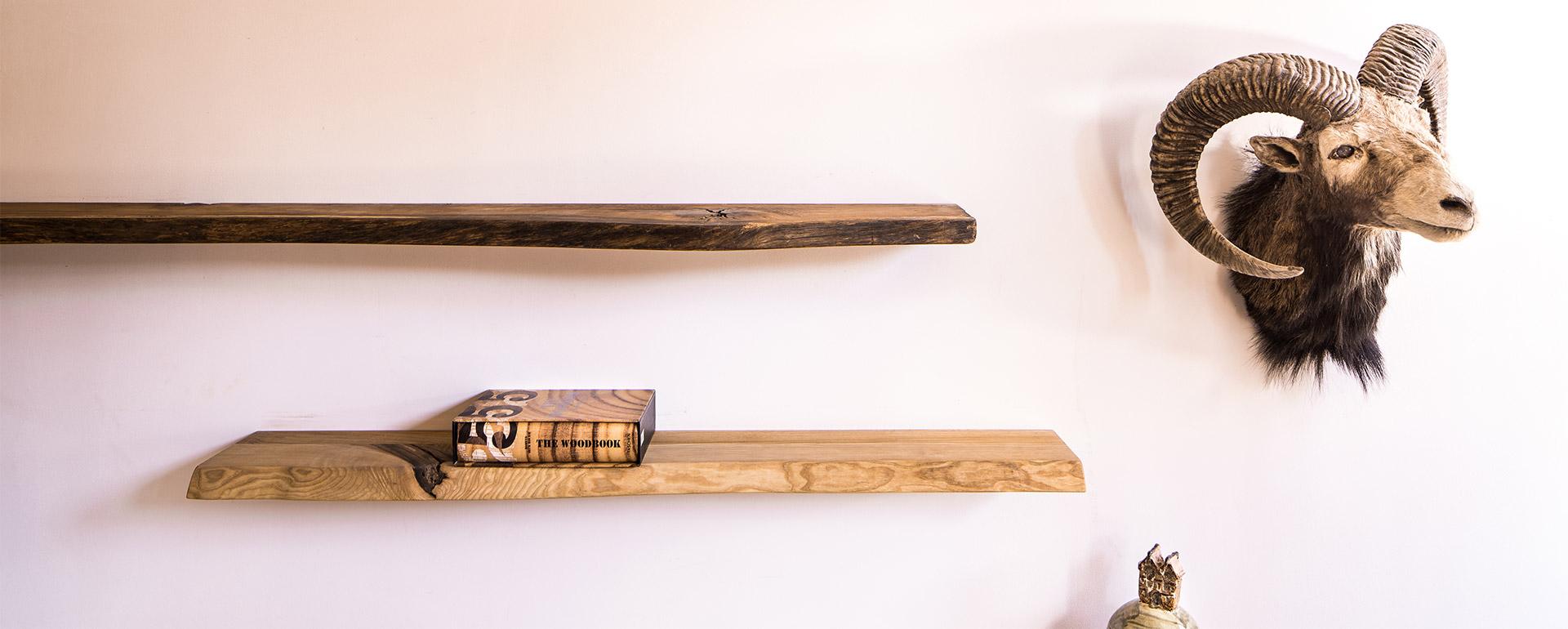 Zwevende massief houten wandplanken